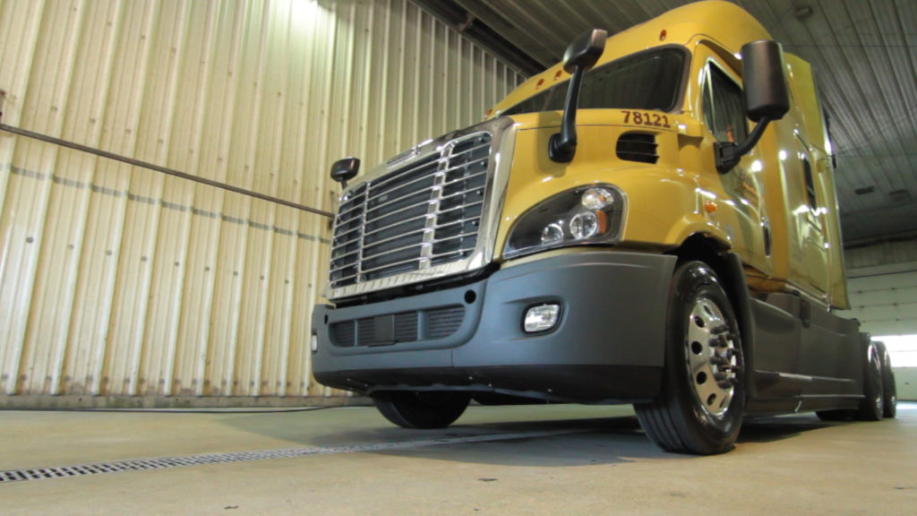 Less weight, more freight! Bison adds 40 new Freightliner tractors to fleet